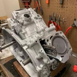 Ремонт двигуна квадроцикла Kawasaki KVF KRF Prairie Brute Force Teryx