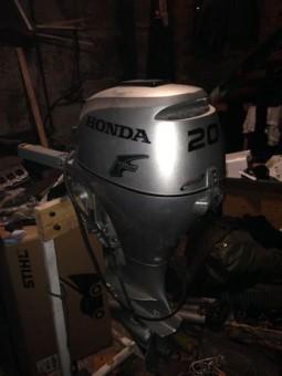 Honda bf 20. Лодочный мотор хонда 20