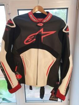 Продам новую оригинальную мото куртку ALPINESTARS