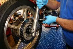 Ремонт мототехніки. Власний склад запчастин та матеріалів.