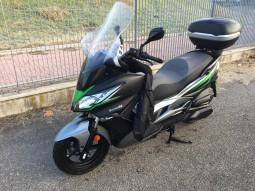 Максі-скутер Кавасакі J300